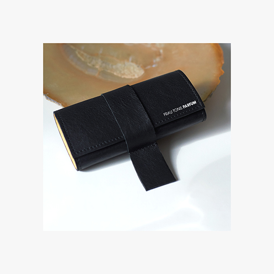 Case black Case Black + 3x7,5ml / 135€